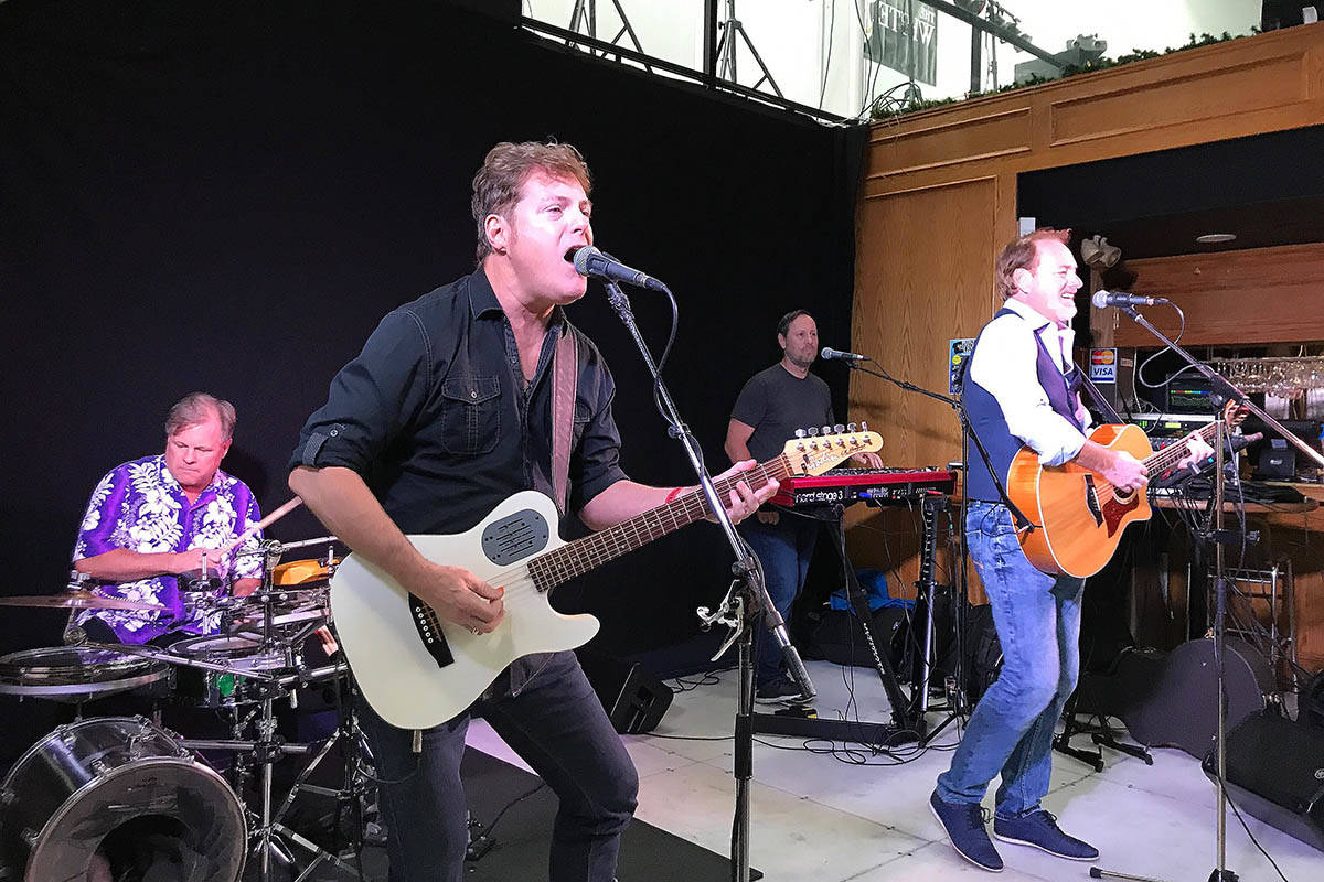The band Spank the Plank performs at White Hart Pub in Surrey on Friday, June 12. (Photo: Tom Zillich)